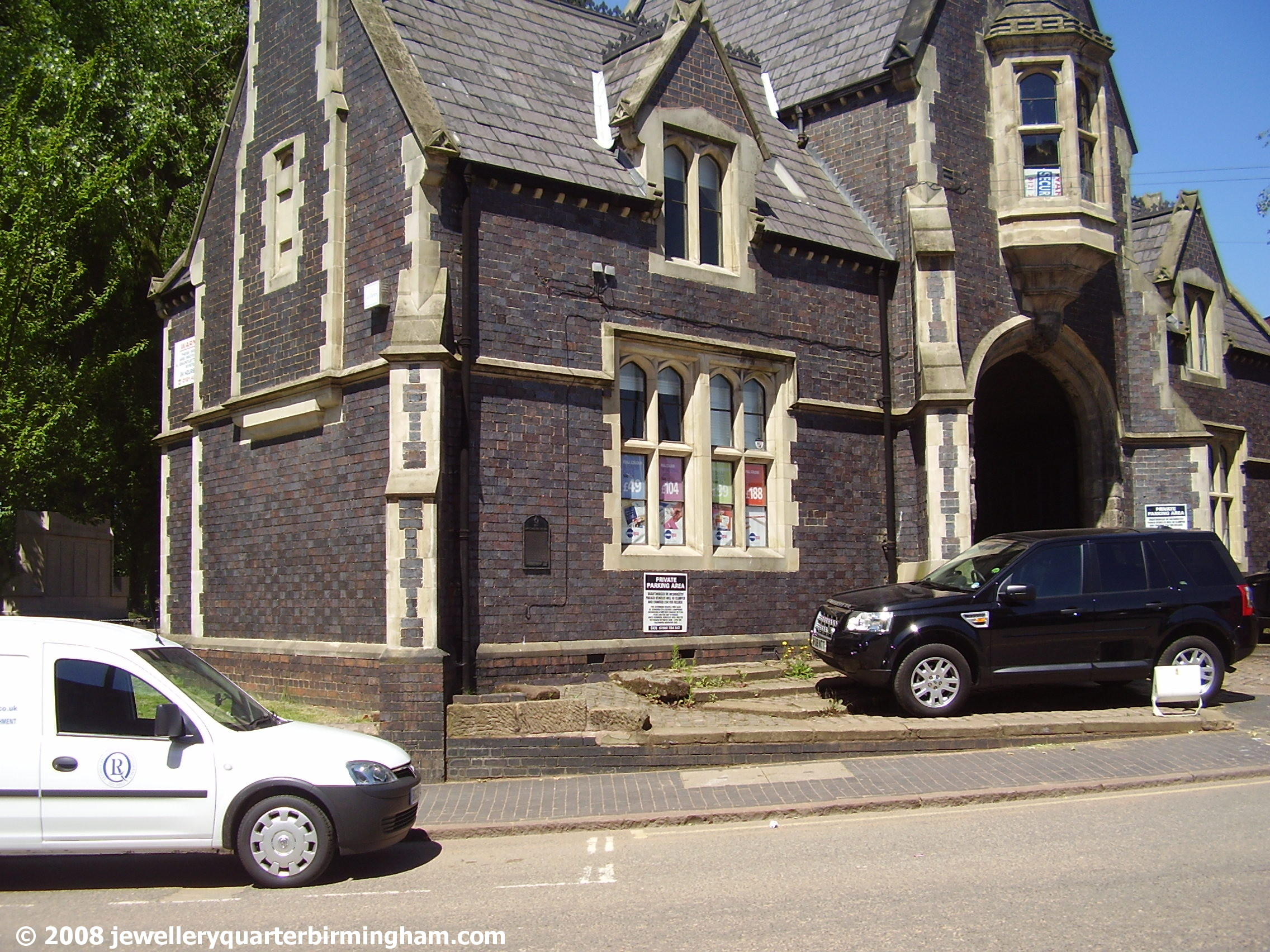 Offices-in-front-of-Mint-Cemetery-in-Warstone-Lane.jpg 2008
