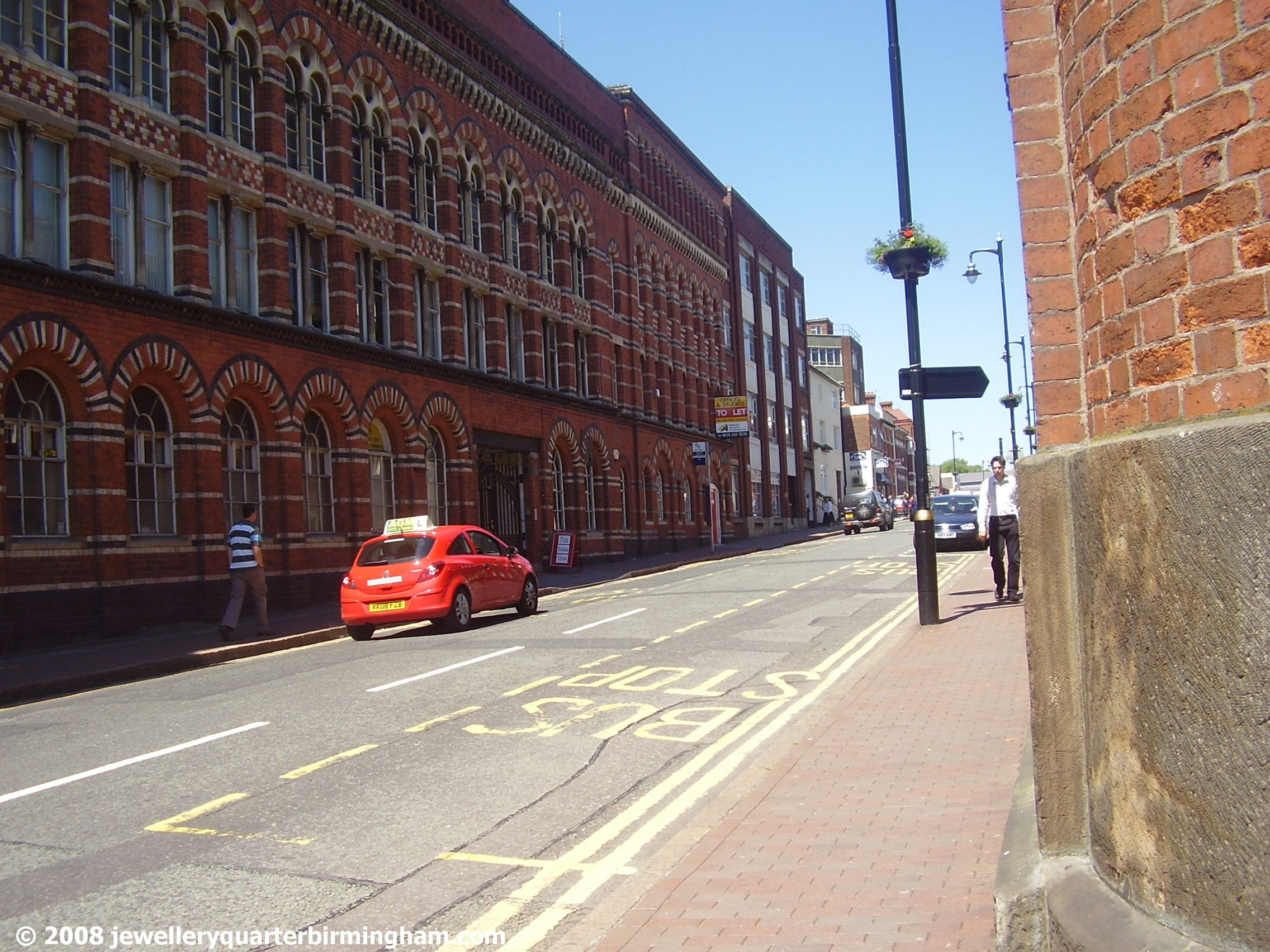 Walking-past-Graham-St-up-Frederick-St-towards-Clock.jpg 2008